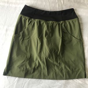 Lucy activewear skort olive green size S